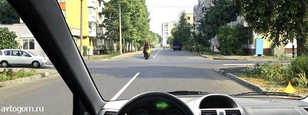 Как Вам следует поступить при повороте направо