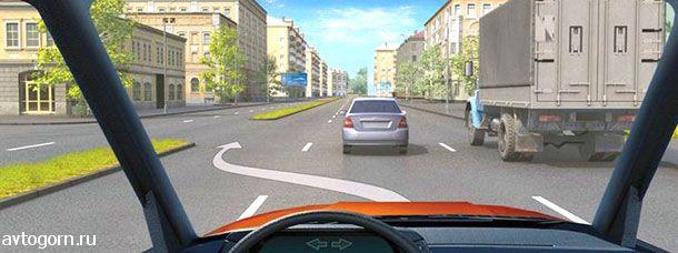 Разрешается ли Вам, управляя грузовым автомобилем с разрешенной максимальной массой более 2,5 т, выехать на третью полосу в данной ситуации