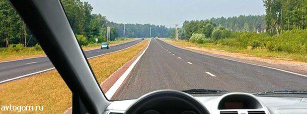 По какой полосе Вы имеете право двигаться с максимально разрешенной скоростью вне населенных пунктов