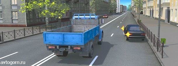 Можно ли водителю легкового автомобиля в данной ситуации начать движение от тротуара