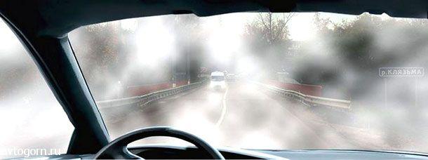 При движении в условиях тумана расстояние до предметов представляется