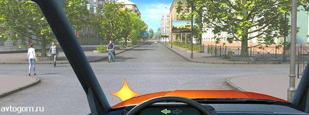 Обязаны ли Вы уступить дорогу пешеходам при повороте