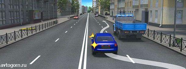 Водитель легкового автомобиля должен выключить указатели левого поворота